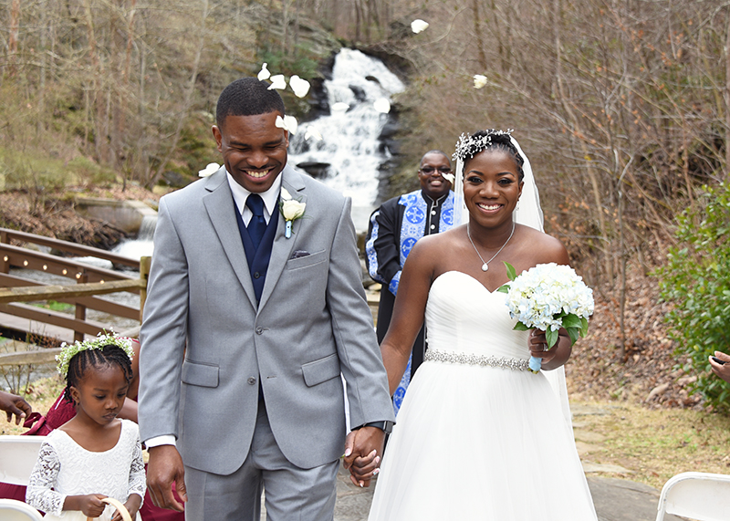 A sweet elopement with positive energy (despite the bride not being able to see!)