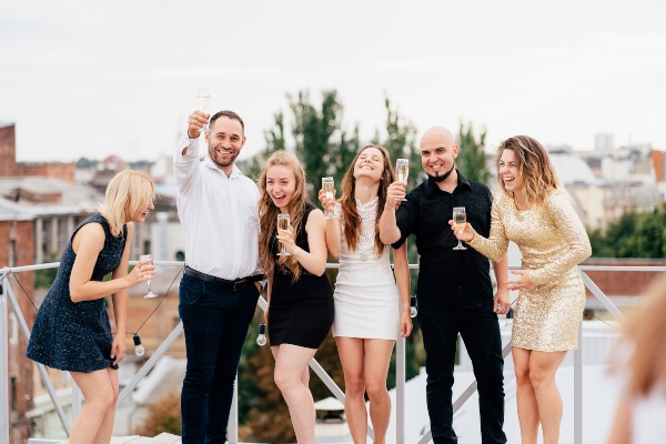 4 Tips for Writing Your Wedding Party Bios